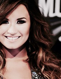 Demi Lovato is so beautiful words can't fully explain how much I love her