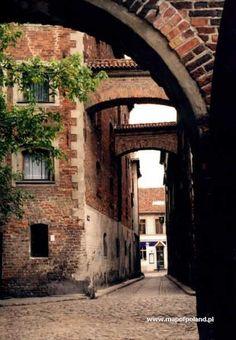 Ciasna Street - Torun , Poland , City of Copernicus Places Around The World, Around The Worlds, Poland Cities, Great Places, Places To Visit, Visit Poland, Poland Travel, The Beautiful Country, Central Europe