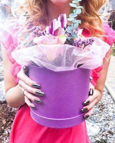 Мы начали встречаться как в анекдоте 1 января. Но вот уже семь лет каждое первое число  поздравляем друг друга и отмечаем каждую маленькую годовщину)) Как говорит @dianalarionova мы женатики такие милые)) . #family #familyphoto #flowers #flowerstagram @the_flower_lounge #bestphoto #natgeoru #topeuropephoto #bestshot #magic #magicmoments #topgirl #msk #mskfoto #wedding #weddingdecor #weddingphoto #balashiha #foto #iphonepic #iphonephoto #iphone7 #инстаграмнедели