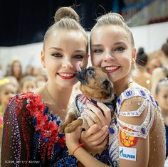 Dina and Arina Averina twins 2019 Acrobatic Gymnastics, Gymnastics Pictures, Cute Twins, European Championships, World Of Sports, World Championship, Olympic Games, Fun To Be One, Grand Prix