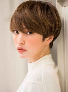 Today we have the most stylish 86 Cute Short Pixie Haircuts. We claim that you have never seen such elegant and eye-catching short hairstyles before. Pixie haircut, of course, offers a lot of options for the hair of the ladies'… Continue Reading → Japanese Haircut Short, Japanese Hairstyle, Short Pixie Haircuts, Short Hairstyles For Women, Girl Short Hair, Short Hair Cuts, Dying Your Hair, Ombre Hair, Hair Looks