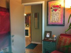 Que Linda Vida by Victoria Marie office entrance. Step in and let's move your life forward to WHAT you want it to be. 3608 Foothill Blvd., La Crescenta, CA 91214    818-249-SOUL (7685)