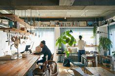 食卓兼ワークスペースのキッチンカウンター Dining Room Design, Interior Design Living Room, Interior Decorating, Aesthetic Room Decor, Japanese House, Scandinavian Home, Loft, Room Decor Bedroom, Room Inspiration