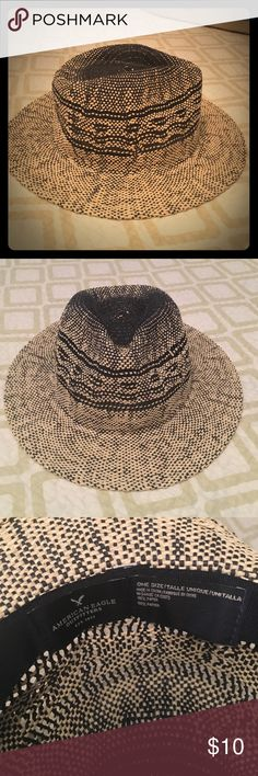 American Eagle Straw Hat NWOT Navy and light straw. American Eagle Outfitters Accessories Hats