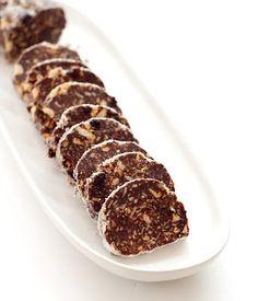 THERMOMIX: Salame de chocolate com amêndoas e uva passa
