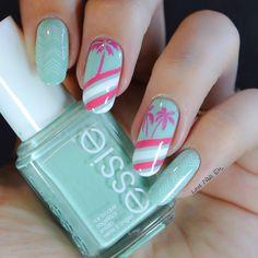 Beach version 80's par Love Nails Etc