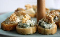 crostini gorgonzola e noci