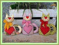 ♥♥ Gatinhos peso de Porta ♥♥ by Gabriola Costurinha