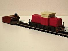 Diesel locomotive T 334 - Cat. - TT by Zeuke & Wegwerth Diesel Locomotive, Model Trains, Scale Models, Cat, Drawings, Trains, Cat Breeds, Scale Model, Sketches