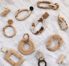 Five Things Friday — - new season bijouterie Women Accessories, Jewelry Accessories, Fashion Accessories, Fashion Jewelry, Jewelry Design, Women Jewelry, Trendy Jewelry, Diy Fashion, Fashion Ideas