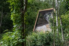 Pavilion with mirror interior reflects nature in North France - designed by atelier ARI Mind Blowing Images, Small Entrance, Walking Paths, Tree Forest, Enjoying The Sun, Open Up, Pavilion, Facade, Photos