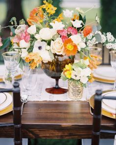 Modern French 75 Signature Cocktail and Citrus Wedding Inspiration by @heyweddinglady