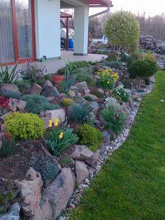 28 +fabulous front yard rock garden ideas genius low maintenance rock garden design ideas for frontyard and backyard 51 Landscaping Images, Landscaping With Rocks, Front Yard Landscaping, Landscaping Design, Back Gardens, Outdoor Gardens, Rockery Garden, Sloping Garden, Herb Garden