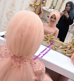 Image may contain: 2 people Wedding Abaya, Hijabi Wedding, Wedding Hijab Styles, Muslim Wedding Dresses, Muslim Brides, Bridal Dresses, Arab Girls Hijab, Girl Hijab, Muslim Girls