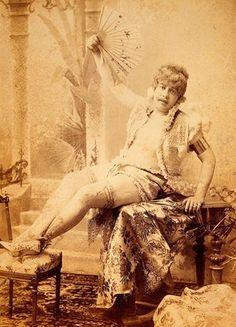 Pré-Conchita: Veja fotos com 'drag queens' do século XIX