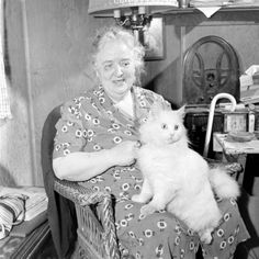 Loran Smith: Seeing Eye Cat, February 1947. Source: LIFE Photo Archive, hosted by Google.