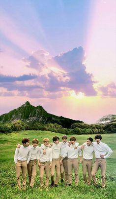 Oh I love everything abt this picture Baekhyun Chanyeol, Park Chanyeol, Exo Wallpaper Hd, K Pop, Exo Group Photo, Exo Korea, Exo Album, Exo Lockscreen, Phone Backgrounds