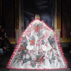 10 BST ấn tượng nhất Tuần lễ thời trang Haute Couture Xuân 2018 | ELLE Việt Nam