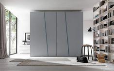 Шкаф-купе в спальню с навесной компланарной системой / Bedroom Sliding doors wardrobe, coplanar system