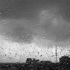 Rainy City 🌧 w/ @anjahaertel @mauricephil