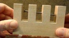 Steeve Ramsey nous montre comment fabriquer un objet aux allures de vrai casse-tête