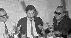 """MPB. Antonio Carlos Jobim, o Tom Jobim (ao centro), compôs com Vinicius de Moraes (à direita) canções clássicas da Bossa Nova, como """"Garota de Ipanema"""". Tom ajudou Vinicius a criar a trilha da peça """"Orfeu da Conceição"""", encenada em 1956"""