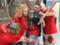 Zombies infiltrate New Jersey during Walker Stalker Con