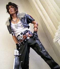 Another Final Fantasy 8 cosplay. Here is the main character Squall down to every detail