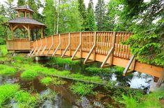 Czech Republic, Garden Bridge, Prague, Places To Visit, Outdoor Structures, Travelling, Places, Viajes, Bohemia