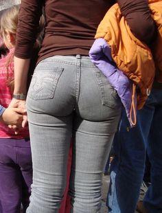 Sexy Jeans, Jeans Pants, Denim Jeans, Skinny Jeans, Jennifer Lopez Bikini, Apple Bottom Jeans, Girls Twitter, Girls Jeans, Pants For Women