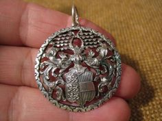 ▀█▀ ██ █▄ █▄ alter ausgefallener Wappenanhänger um 1900/900er Silber | eBay