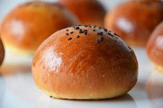 Kublanka vaří doma - Hamburgerové bulky Yami Yami, Russian Recipes, Hamburger, Cooking Recipes, Bread, Food, Polish, Vitreous Enamel, Eten