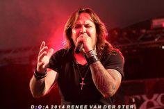 Hasil gambar untuk metal singer