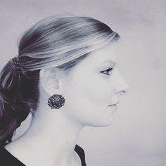 Our ornamental button earrings in action ✨ #tijoux #jewelry #jewellery #bijoux #schmuck #schmuckstück #design #love #handmade #handmadejewellery #münchen #munich #etsy #earrings #ohrringe #ornament #ornamental #mode #fashion #potd #blogger #blog #modeschmuck