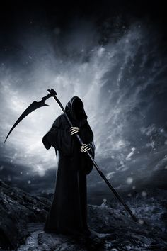 I want someone to show up at my funeral dressed as the grim reaper and not say a word to anyone. Grim Reaper Art, Grim Reaper Tattoo, Don't Fear The Reaper, Freund Hein, Grim Reaper Pictures, Dark Artwork, Gothic Artwork, Dark Gothic, Angel Of Death