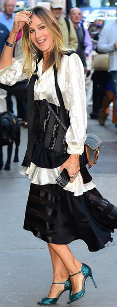 Sarah Jessica Parker: Purse – Chloe  Shoes – Sarah Jessica Parker  Jewelry – Fred Leighton