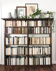 Trendy home library scandinavian bookcases 70 ideas Interior Design Minimalist, Design Apartment, New Room, My Dream Home, Home And Living, Room Inspiration, Living Spaces, Sweet Home, New Homes
