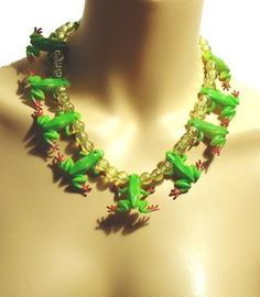 ShopCurious - Ineke Otte - Green frog necklace