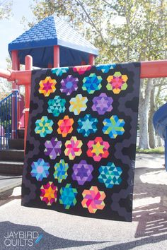Jaybird Quilts Sweet Tooth Quilt, made with the HexNMore & Super Sidekick rulers. Available in local & online quilt shops. #JaybirdQuilts #HexNMore #SuperSidekickRuler #SweetToothQuilt