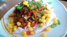 Kytičkový den - Rýžové nudle,ďobáčky,chilli,zelenina (paprika,cibule,led.salát,lahůd.cibulka,kukuřice)