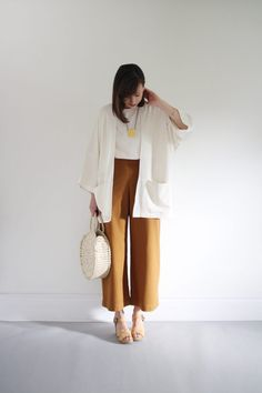 Post with 14 votes and 1906 views. Shared by hanguana. It's A Wrap: Kimono Inspo Kimono Fashion, Work Fashion, Fashion Pants, Fashion Outfits, Fashion Fall, Wide Trousers, Wide Leg Pants, Style Outfits, Casual Outfits