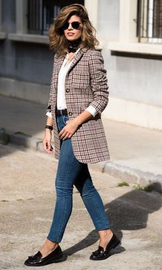 Office Look: Mocassim e Blazer Xadrez