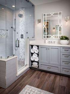 Beautiful Master Bathroom Remodel Ideas (26) #Bathroomrenovations #remodelingideas #remodelingideas