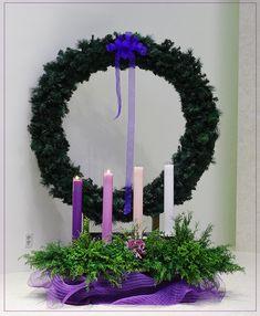 -올리베따노 성 베네딕도 수녀회 Classroom Decor, Christmas Decorations, Candles, Church Altar Decorations, Advent, Crowns, Xmas, Flowers, Noel