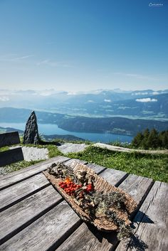 Sentiero dell´ Amore - Best Travels Ideas 2019 Visit Austria, Austria Travel, Bergen, Wonderful Places, Beautiful Places, Travel Around The World, Around The Worlds, Carinthia, Heart Of Europe
