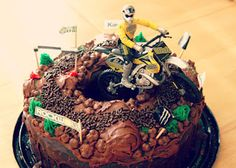 Dirt bike cake party
