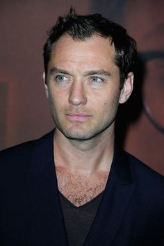 Jude Law - 'Side Effects' Premieres in Paris