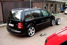 VW Touran Vw Sharan, Volkswagen Touran, Day Van, Tactical Gear, Van Life, Cars And Motorcycles, Super Cars, Chevrolet, Vehicles