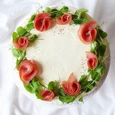 #leivojakoristele #mitäikinäleivotkin #täytekakku  Kiitos @noppasoppa.blogi