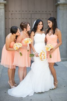 Coral themed wedding  |  The Frosted Petticoat Blog